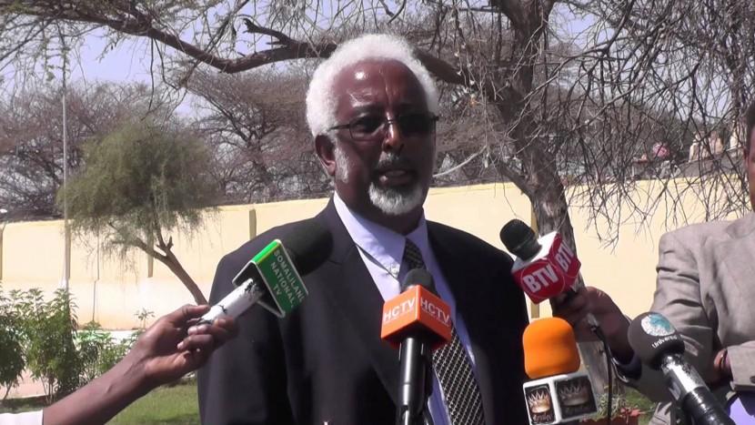 Daawo wasiirka Arrimaha GUdaha Somaliland oo hanjabaad kulul u direy Soomaaliya cali khaliif-na ku soo dhaweeyey wada hadal iyo gogol nabadeed