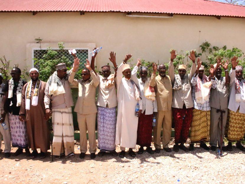 Daawo:Xukuumada Somaliland OO Labada Beelood Ee Ba-hararsame Iyo Qayaad  U Kala Qaaday  Lacagtii Aaska Ama  Duugta Ee Lagu Kala Xukumay.