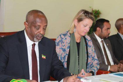 Daawo:Wasiirka Arrimaha Gudaha Somaliland Oo Saaka Si Rasmiya U Furay Shirka Maamul Wanaaga Arrimaha Dawlada